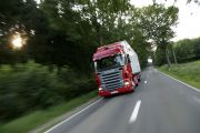 05879-005 Scania R 420 4x2 Highline with box semitrailer