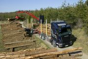 05369-007 Scania R 580 6x4 timber truck with trailer
