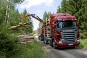 07557-033 Scania R 620 6x4 Highline timber truck with trailer